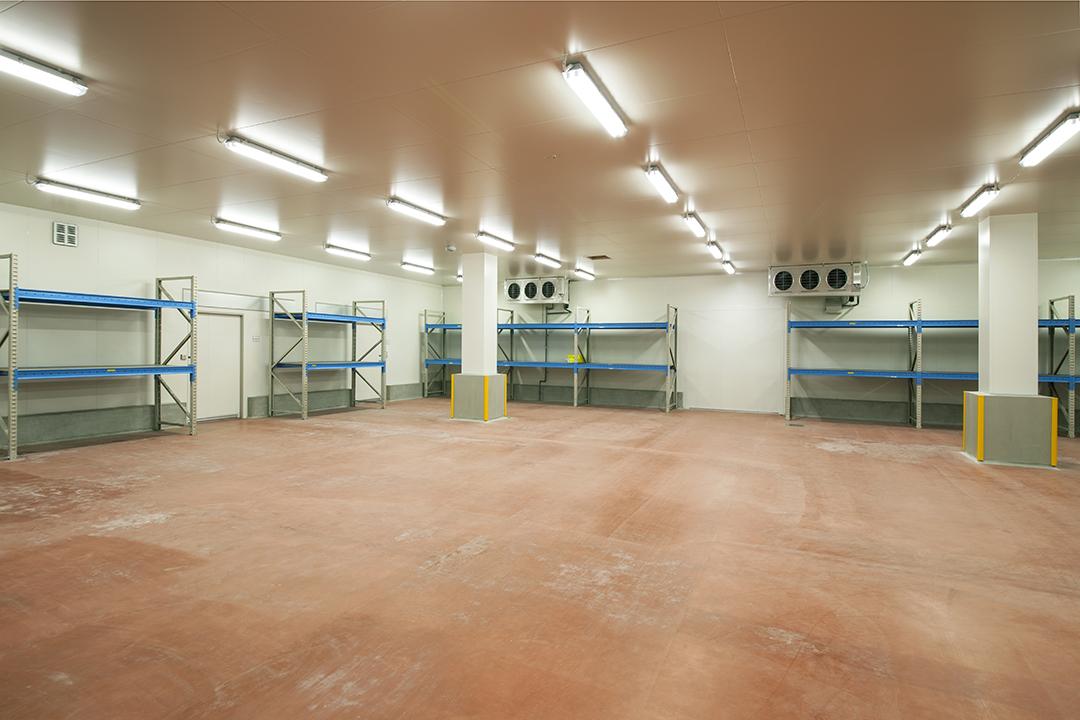 瀬戸プロセスセンター 原料冷蔵庫